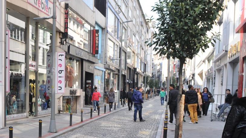 Osmanbey'de Dükkanlar Kepenk İndiriyor