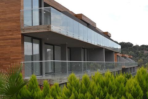 A Pulus B Modern Residence